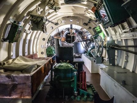HM Submarine X25